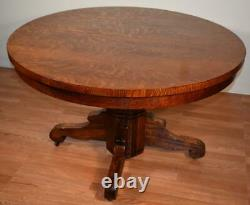 1910s Antique Empire Tiger Oak round dining room table / Breakfast table