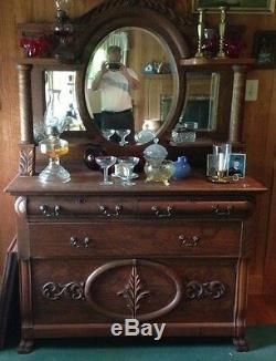 ANTIQUE Quartersawn Tiger Oak Sideboard Buffet Beveled Mirror Backsplash