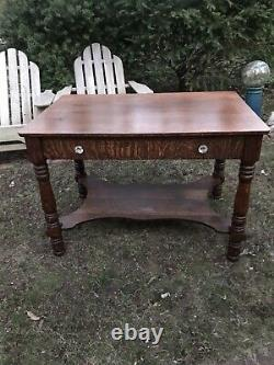 ANTIQUE TIGER OAK VICTORIAN PARLOR LIBRARY TABLE 42 1890s