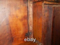 Antique American Drop Leaf Harvest Table Tiger Maple