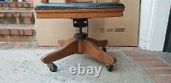Antique B. L Marble Quarter Sawn Tiger Oak Rolling Banker's Desk Office Arm Chair