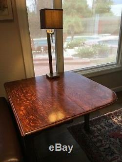 Antique English Oak Gate Leg Table. Beautiful tiger oak finish