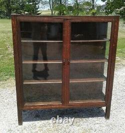 Antique Solid Quarter Sawn Arts and Crafts Mission Oak China Cabinet 1920s Era