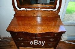 Antique Solid Tiger Oak 4 Drawer Dresser with Swing Mirror Excellent Condition