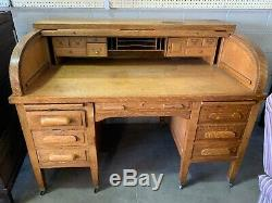 Antique Standard Furniture Company Tiger Oak Roll Top Desk Home Office Library