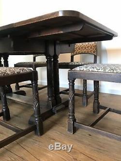 Antique Tiger Oak Draw-Leaf Dining Set
