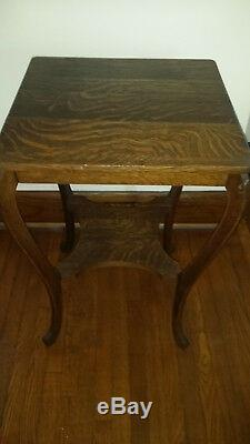 Antique Tiger Oak Square Sofa Table in Excellent Condition