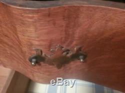 Antique and vintage Tiger Oak Dresser
