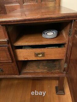 Arts and Crafts Tiger Oak Sideboard / Buffet / Hutch