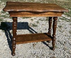 Beautiful Antique Tiger Oak Lamp Table Stand