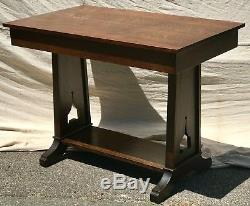 Early 20th C. Arts & Crafts Tiger Oak Library Table / Writing Desk