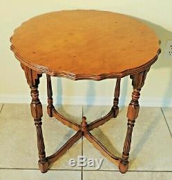 Exceptional Antique/Vtg Tiger Maple Scalloped & Carved Round Accent Table