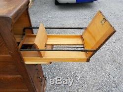 Globe Wernicke 3 Drawer File Cabinet (24-19)