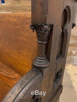 NICE Quartersawn Tiger Oak Church Pew Antique Gothic 60 Fancy Ends Columns