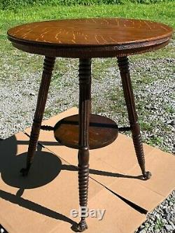 Nice Antique Round Top Tiger Oak Side Table Lamp