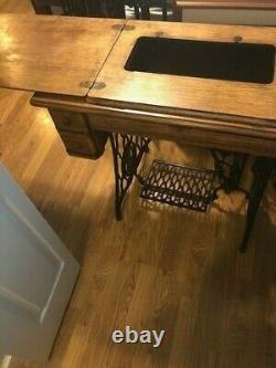 ORIGINAL Antique Singer Sewing Machine 5 Drawer Tiger Oak Cabinet Treadle Base