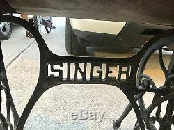 Singer Sewing Machine early 1900s 27-4 Tiger Oak cabinet treadle instru attach's