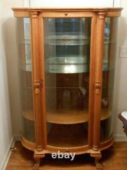Tiger Oak Antique Curio Cabinet withCurved Glass an Claw Feet