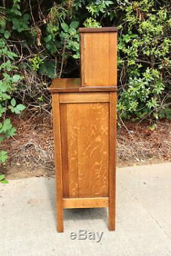 Unusual Mission Tiger Oak Arts and Crafts Period Vice Cabinet Ca. 1910