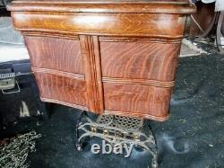 WHITE FAMILY ROTARY SEWING MACHINE ANTIQUE TIGER OAK CABINET c. 1911